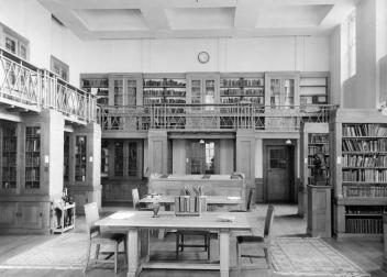 Library reading room, 1925-1927 (Lib. Ref. 93/AL/12)